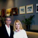 Imagen de Teresa de Miguel Lucas (Mirelu) con Alfredo Rodriguez del Circulo de Pintores Solidarios.